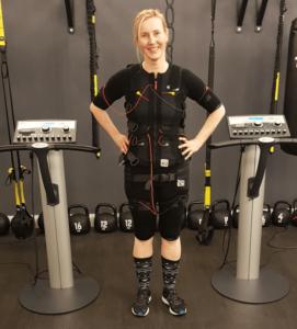 Weniger-Rückenschmerzen-durch-EMS-Training-in-Hamburg-bei-JustFit-Rückenschule-Rückenschmerzen-Training-Rückenübungen